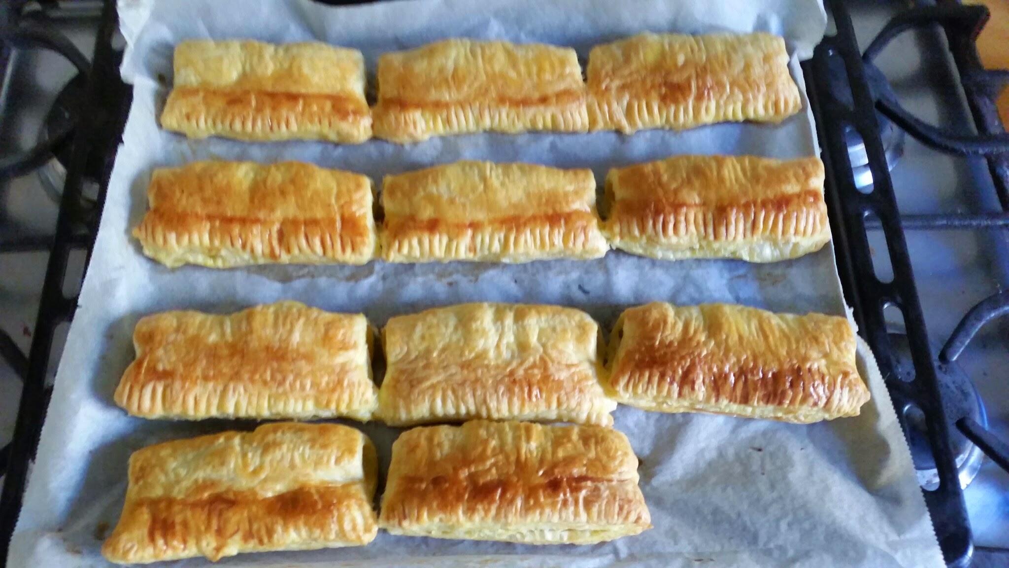 gebakken saucijzenbroodjes